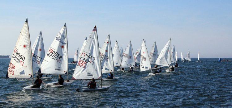 150 regatistas en el XVII Trofeo José Luis Azqueta